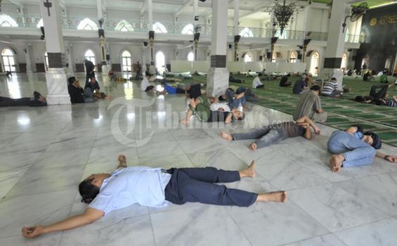 Benarkah Orang yang Tidur saat Puasa Ramadhan Dapat Pahala? Begini Penjelasannya