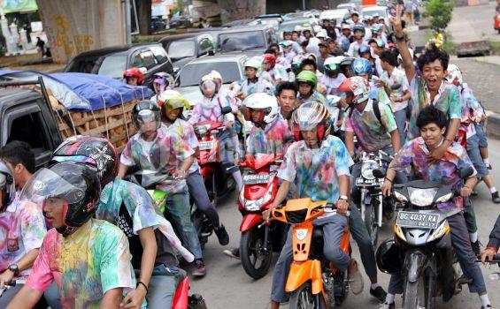 Siswa SMA di Bekasi Dilarang Konvoi dan Aksi Corat-coret Usai Pengumuman UN