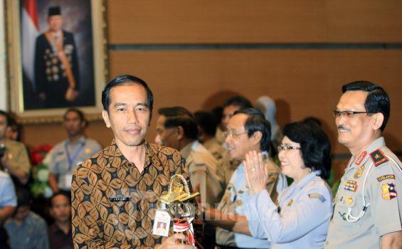 Rapat Paripurna Bahas Jokowi Diwarnai Konser Keroncong