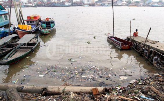 Foke: 30 Tahun Sungai di Jakarta Tak Pernah Dikeruk