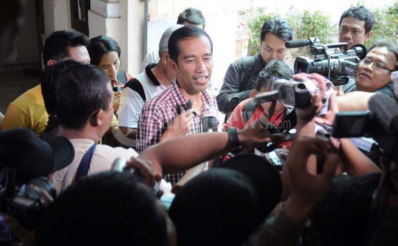 Jokowi Tidak Mau Bicarakan Soal Gaji