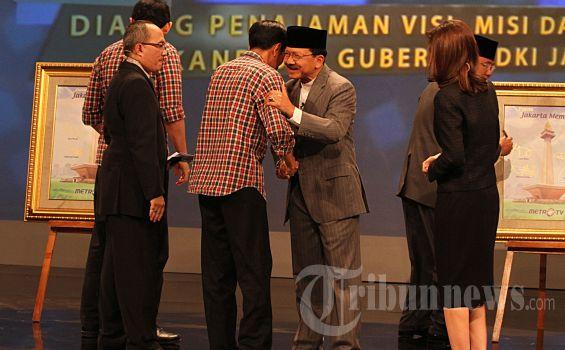 Foke Berharap Pelantikan Gubernur Baru Lancar