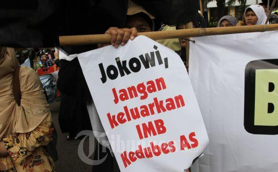 IMB Supermall Diprotes Warga