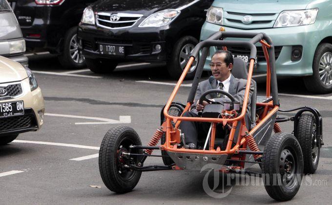 Pemerintah Janji Produsen Mobil Listrik Bebas Pajak
