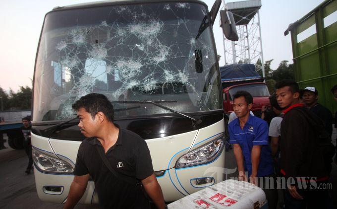 Ulah Oknum Pendukung Persija Jakarta Kado Pahit Jokowi