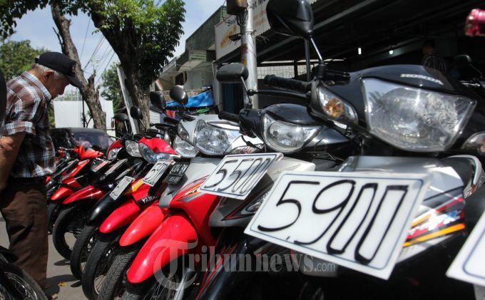Tips Jitu Membeli Motor Bekas, Cek Kondisi Kendaraan & Jangan Terkecoh Harga Murah  (Tribun Jateng/Wahyu Sulistiyawan)