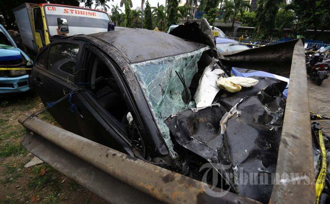 Foto Mobil Kecelakaan Anak Ahmad Dhani Rommy Car