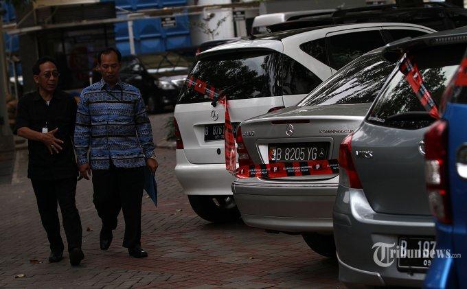 Harga Mobil Lelang Sitaan Kpk Dijual Mulai Rp 28 Jutaan Tertarik Tribunnews Com Mobile