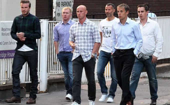 Para pemain Manchester United The Class of 92 David Beckham, Ryan Giggs, Paul Scholes, Garry dan Phillip Neville, serta Nicky Butt.