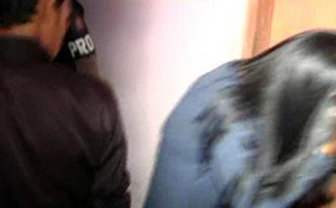 Alat Kontrasepsi Berserakan di Kamar Hotel Saat Razia Pasangan Mesum, Polisi Bertanya: Ini Open BO?