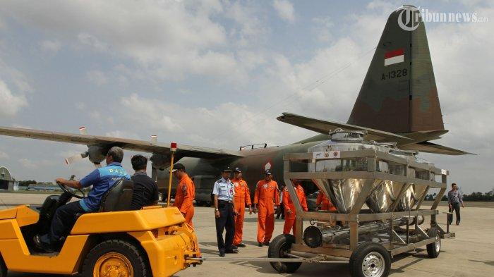 Kurangi Risiko Banjir, TNI AU Kerahkan Pesawat CN-295 Untuk Modifikasi Cuaca di Jabodetabek