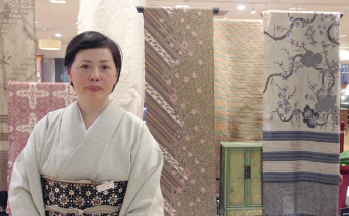 Perempuan Jepang Ini Punya Batik berusia 250 Tahun dari Jambi