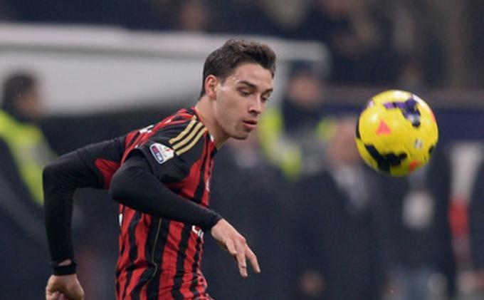 Dibuang AC Milan & Juventus, Bek Berlabel Timnas Italia Enggan Balik ke Serie A