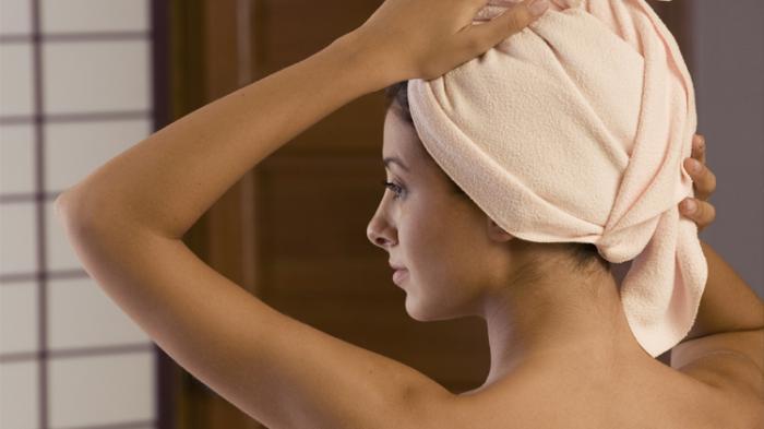 Cara Perawatan Rambut saat Musim Dingin, Pakai Masker Telur, Madu dan Labu