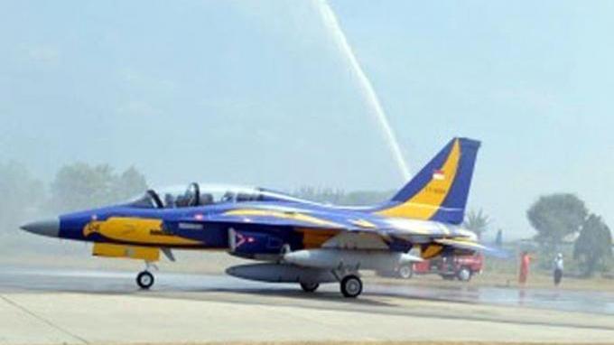 Letda Ajeng, Perempuan Pertama di TNI AU yang Menjadi Pilot Pesawat Tempur