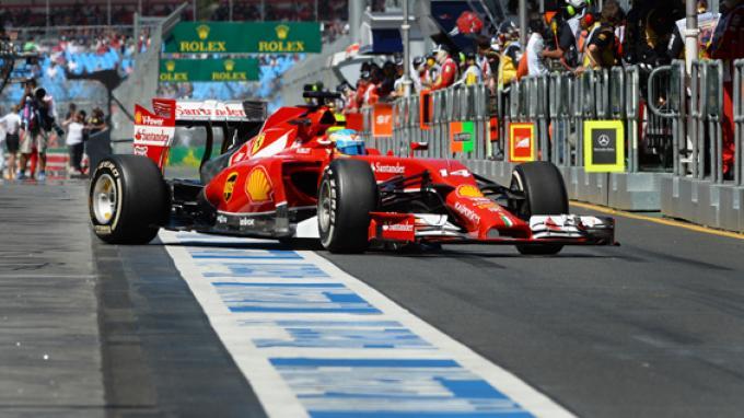TERCEPAT- Pebalap Ferrari, Fernando Alonso saat tampil  di F1 Australia, Jumat (14/3/2014).