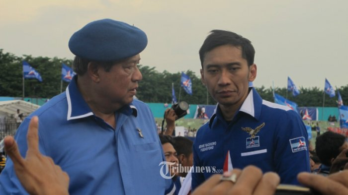Ibas Tersenyum Syarief Hasan Ditanya Hubungan Megawati-SBY