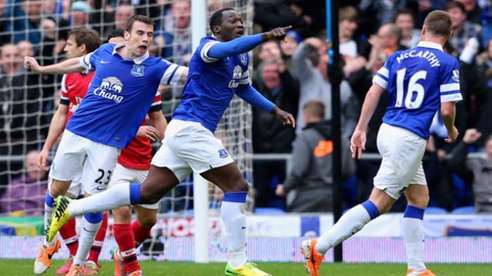 Everton 'Tendang Keluar' Arsenal dari 4 Besar