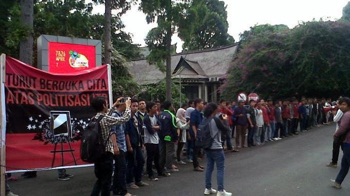 Kedatangan Jokowi Ditolak Mahasiswa ITB