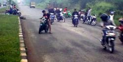 Dipepet Enam Pengendara Motor, Mahasiswa di Bandung Dibacok Pada Bagian Kepala Tangan dan Pipi