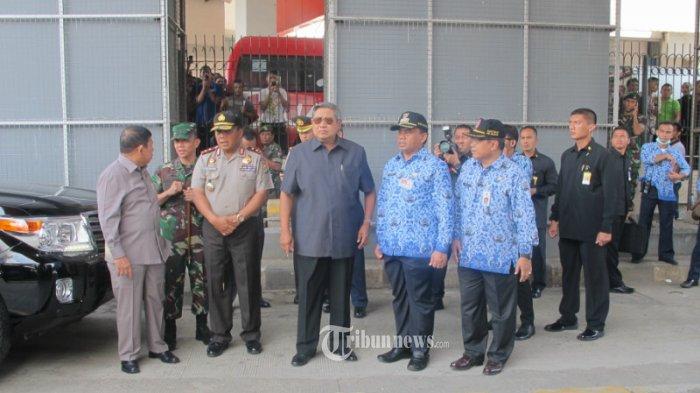 SBY Instruksikan Petugas Lebih Cepat Padamkan Kebakaran