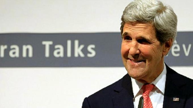 Menlu AS John Kerry Kecelakaan di India