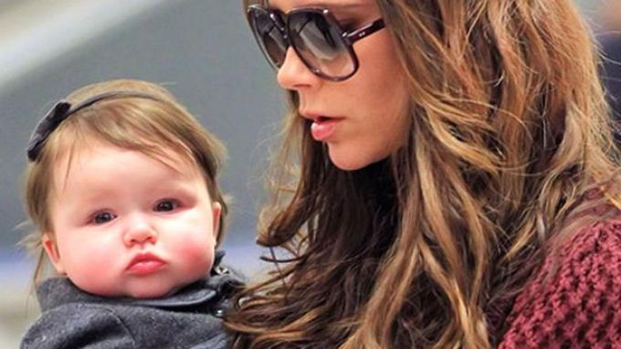 Tidak Ada Keluarga yang Iringi Victoria Beckham Datang ke Jakarta
