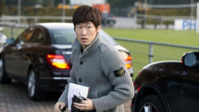 Park Ji-Sung Pensiun dari Sepak Bola Karena Lututnya Lemah