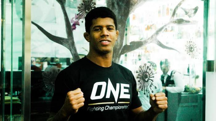 Adriano Moraes Pertahankan Gelar Juara Dunia ONE