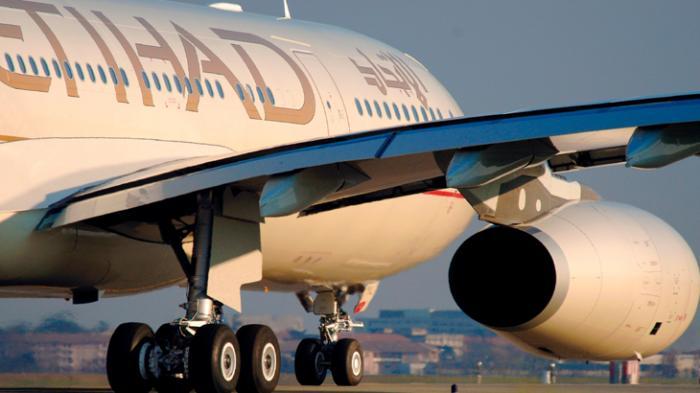 Etihad Airways Jadi Maskapai Pertama yang Memberikan Vaksin Covid-19 ke Awak Pesawat
