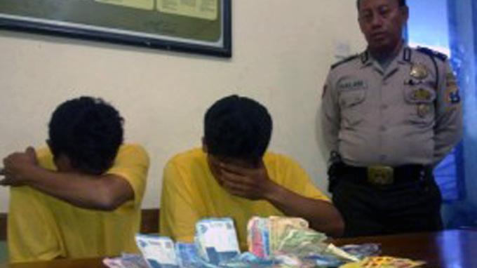 Isi Waktu Luang dengan Judi Domino, PNS di Surabaya Ini Tertangkap Polisi