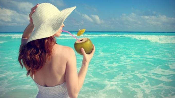 minum air kelapa