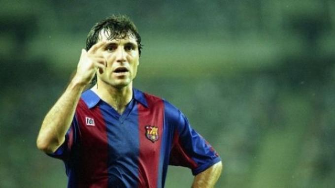 Hristo Stoichkov, mengkritik kebijakan eks klubnya, Barcelona yang menjual Alexis Sanchez.