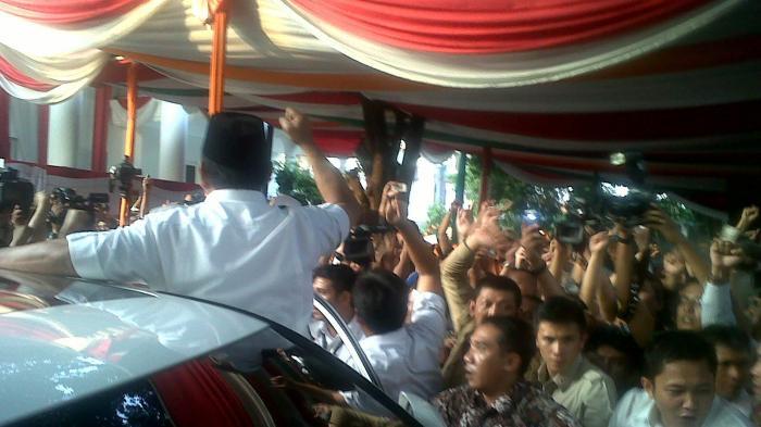 Prabowo Tolak Hasil Pilpres, Pendukungnya Teriak Prabowo Presiden