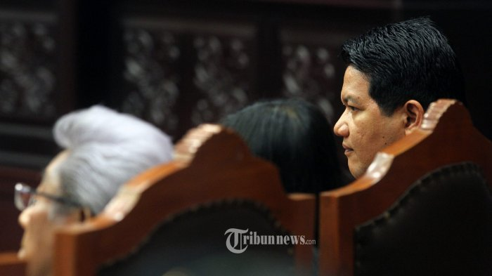 Adnan Buyung Bingung, Tim Prabowo-Hatta Tuduh KPU Tidak Jujur
