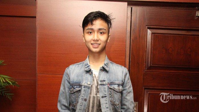 Leon Dozan,  pada acara gala premiere film Duel di Jakarta Teater, Menteng, Jakarta Pusat, Senin (15/9). Film ini bergenre drama action yang dipenuhi adegan yang menantang. (Warta Kota/Nur Ichsan)