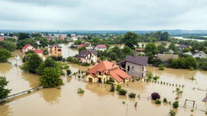 Tinggal di Pemukiman Rawan Banjir? Ikuti 5 Langkah Mengantisipasinya