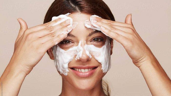 Tidak Bikin Jerawat dan Breakout, Simak Rekomendasi Facial Wash Tanpa Alkohol