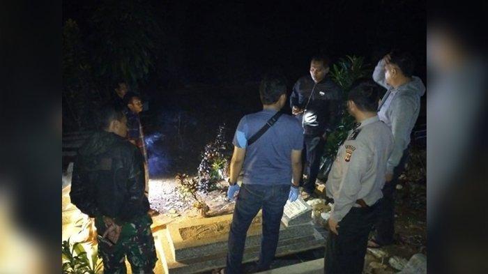 Sejumlah makam di tempat pemakaman umum ( TPU ) di Kampung Pakemitan II, Desa Pakemitan, Kecamatan Cikatomas, Kabupaten Tasikmalaya ada yang menggali secara misterius, Jumat (9/11/2019).