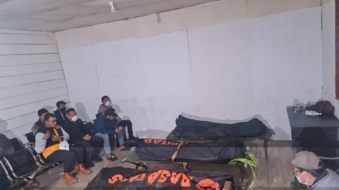Tengah Malam 3 Jenazah Kru Pesawat Rimbun Air Berhasil Dievakuasi ke Sugapa Intan Jaya