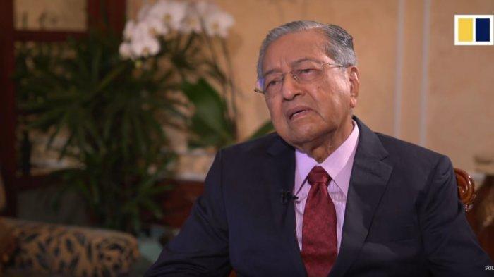 Mahathir Mohamad - 4 Hal Penting yang Harus Diketahui tentang Memanasnya Situasi Politik di Malaysia Saat Ini