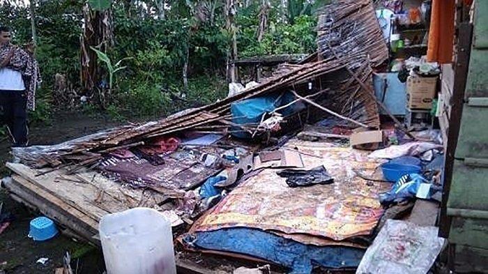 Kondisi rumah warga yang dirusak kawanan gajah liar di Kampung Rimba Raya, Kacamatan Pintu Rime Gayo, Kabupaten Bener Meriah, Sabtu (9/11/2019) sekira pukul 03.00 WIB.