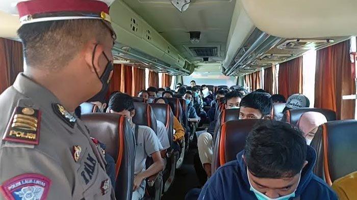Nyaris Lolos dari Penyekatan, 47 Pekerja Hendak Mudik ke Ponorogo, Bus Akhirnya Putar Balik