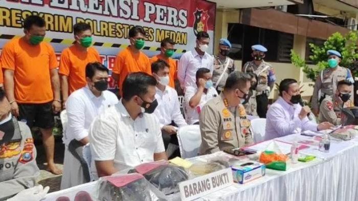 5 Tersangka Pelaku Penyiraman Air Keras kepada Wartawan di Medan Terancam 12 Tahun Penjara