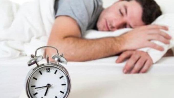 Pernah Sakit Leher Saat Bangun Tidur? Ketahui Penyebab dan Cara Menghindarinya