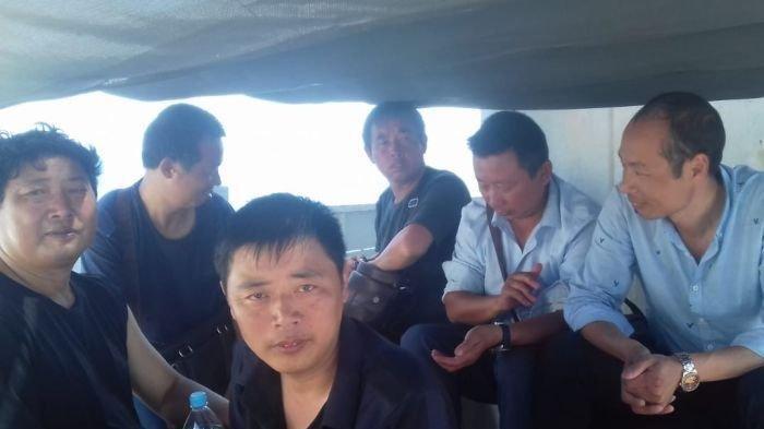 Enam warga China dan dua warga Indonesia telah dikarantina karena kekhawatiran virus corona.