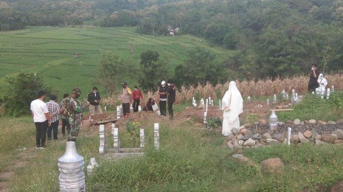 7 jenazah di pemakaman khusus pasien Corona (Covid-19) di Kota Parepare hilang, Jumat (12/3/2021).