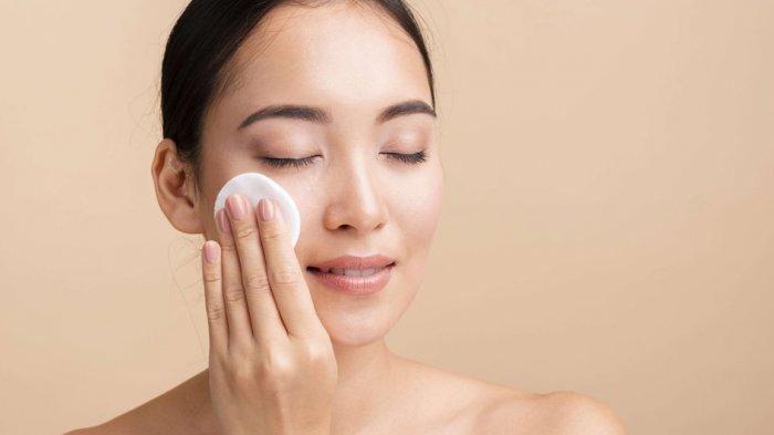 5 Jenis Makeup Remover yang Perlu Kawan Puan Tahu, Ada Cleansing Wipes!
