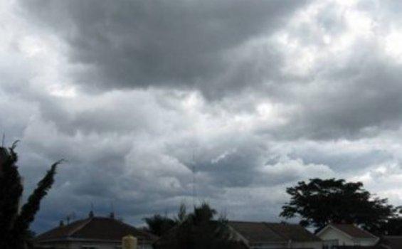 Awan Cumulus Nimbus Tutup Wilayah Yogyakarta