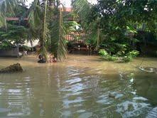 Korban Banjir Istirahat di Gereja dan Gedung Karang Taruna